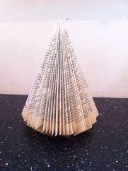 book folded xmas tree